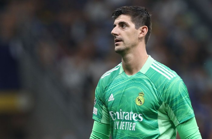 MILAN, ITALY - SEPTEMBER 15: Thibaut Courtois of Real Madrid looks on during the UEFA Champions League group D match between Inter and Real Madrid at Giuseppe Meazza Stadium on September 15, 2021 in Milan, Italy. (Photo by Marco Luzzani/Getty Images)