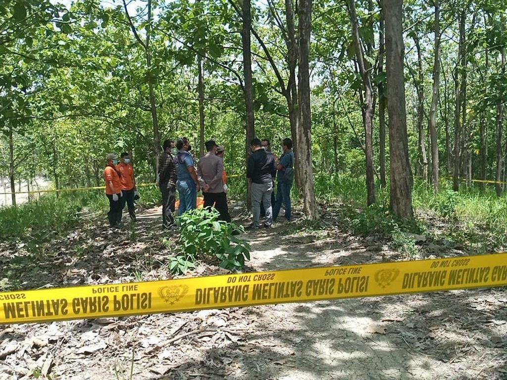 Identifikasi Rampung, Mayat Wanita di Hutan Grobogan Diambil Keluarga