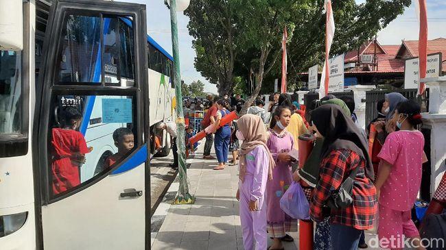 Sempat Dievakuasi, Anak Korban Konflik Pekerja-Perusahaan di Riau Dipulangkan