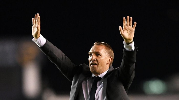 LONDON, ENGLAND - SEPTEMBER 22: Brendan Rogers, Manager of Leicester City acknowledges the fans following victory in the Carabao Cup Third Round match between Millwall and Leicester City at The Den on September 22, 2021 in London, England. (Photo by Justin Setterfield/Getty Images)
