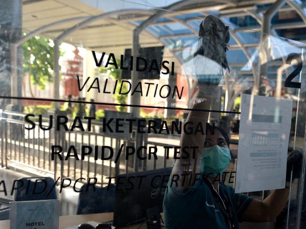 Syarat Naik Pesawat Jawa Bali Wajib Tes PCR meski Sudah Vaksin Picu Polemik