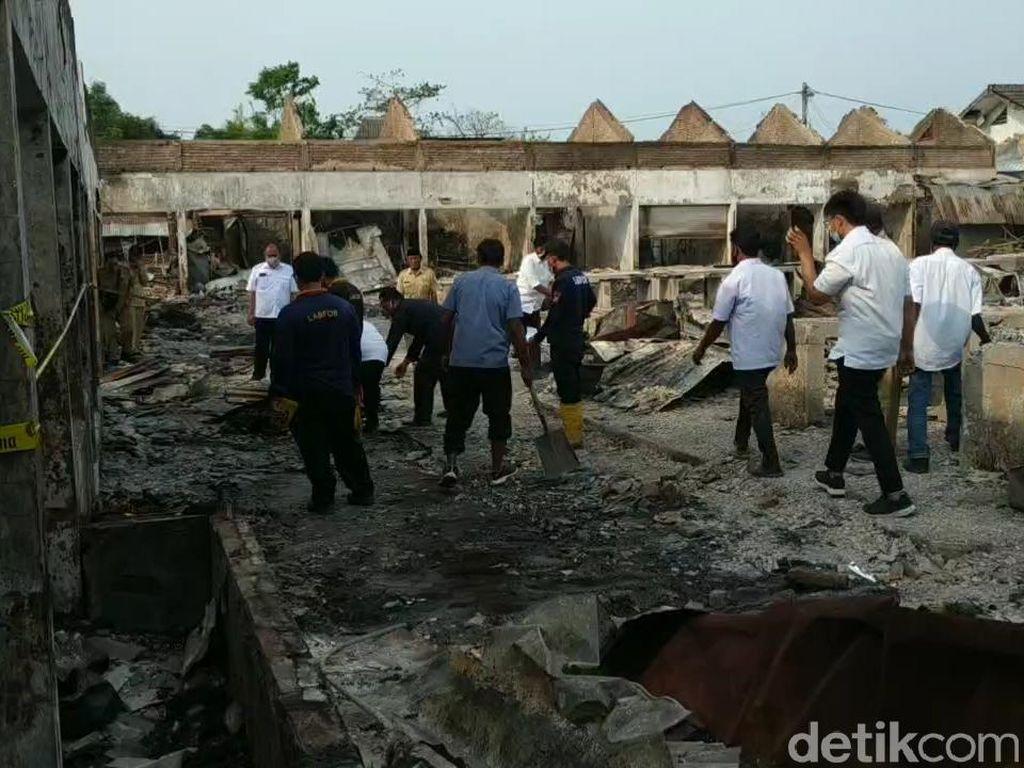 Kebakaran Pasar Nguling Pasuruan: Kerugian Rp 7,4 M, 257 Pedagang Terdampak