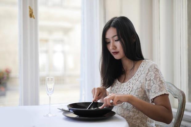 Manfaat kebiasaan sarapan dengan nasi putih, baik untuk kesehatan pencernaan/Foto: pexels.com/Andrea Piacquadio