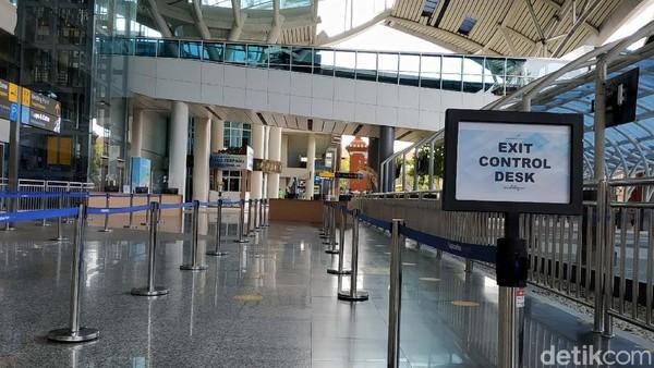 Pemerintah membuka penerbangan internasional di Bandar Udara (Bandara) Internasional I Gusti Ngurah Rai Bali pada 14 Oktober 2021.