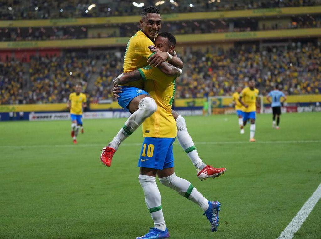 Brasil Vs Uruguay: Selecao Sikat La Celeste 4-1