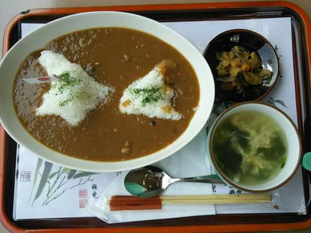 Sajikan Curry Rice Bentuk Pulau dalam Sengketa, Resto Ini Dikritik Warga Korea