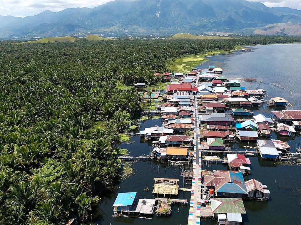 Melawat Kearifan Lokal Papua di Desa Wisata Kampung Yoboi