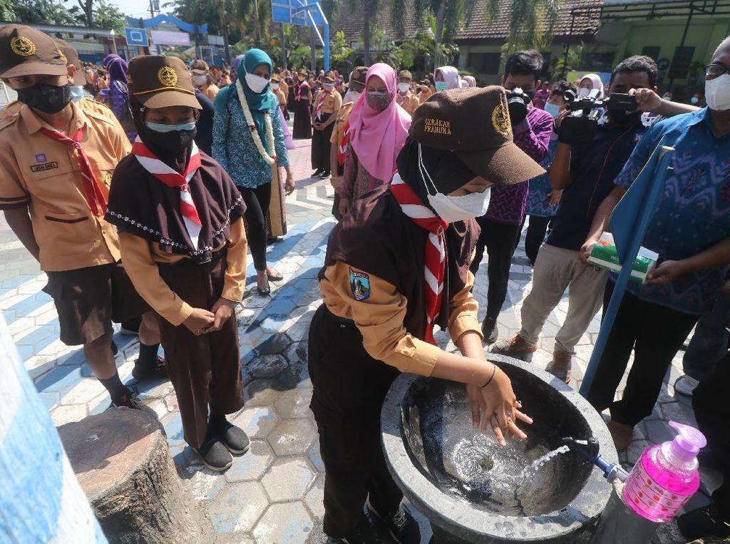 Pelajar SD di Kediri Peringati Hari Cuci Tangan Sedunia