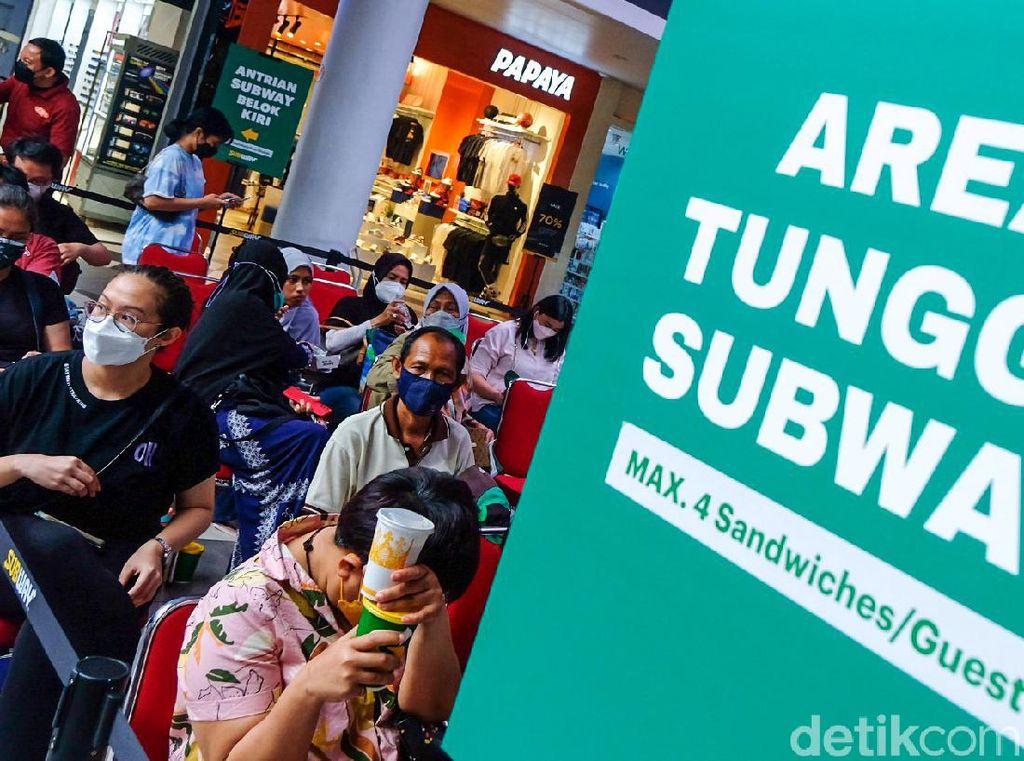 Subway Ramai Pengunjung, Pakar Khawatir Muncul Penularan COVID-19 Lagi