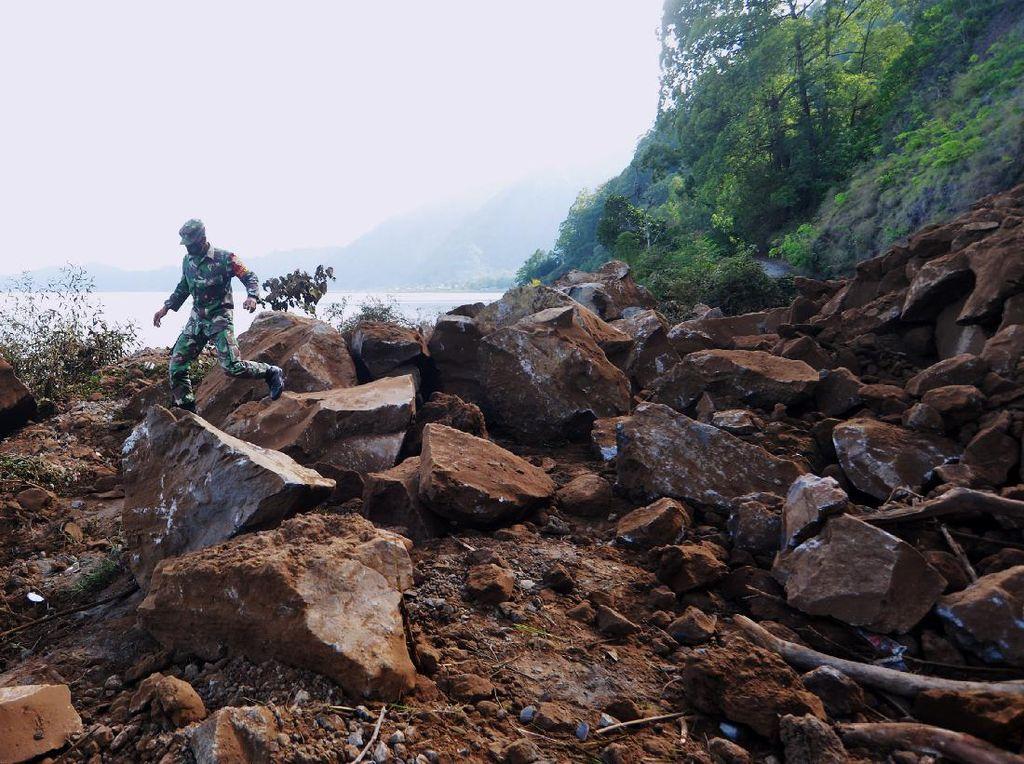 Sempat Tertimbun Reruntuhan, 2 Korban Gempa M 4,8 Bali Selamat