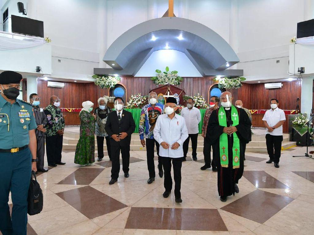 Tinjau GKI di Papua, Maruf Amin Ajak Jaga Umat dari Bahaya COVID-19