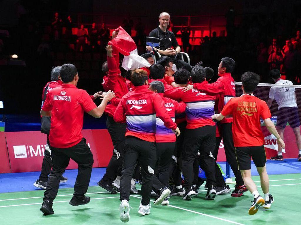 Juara Usai Kalahkan China, Indonesia Ulang Raihan di Piala Thomas 2000