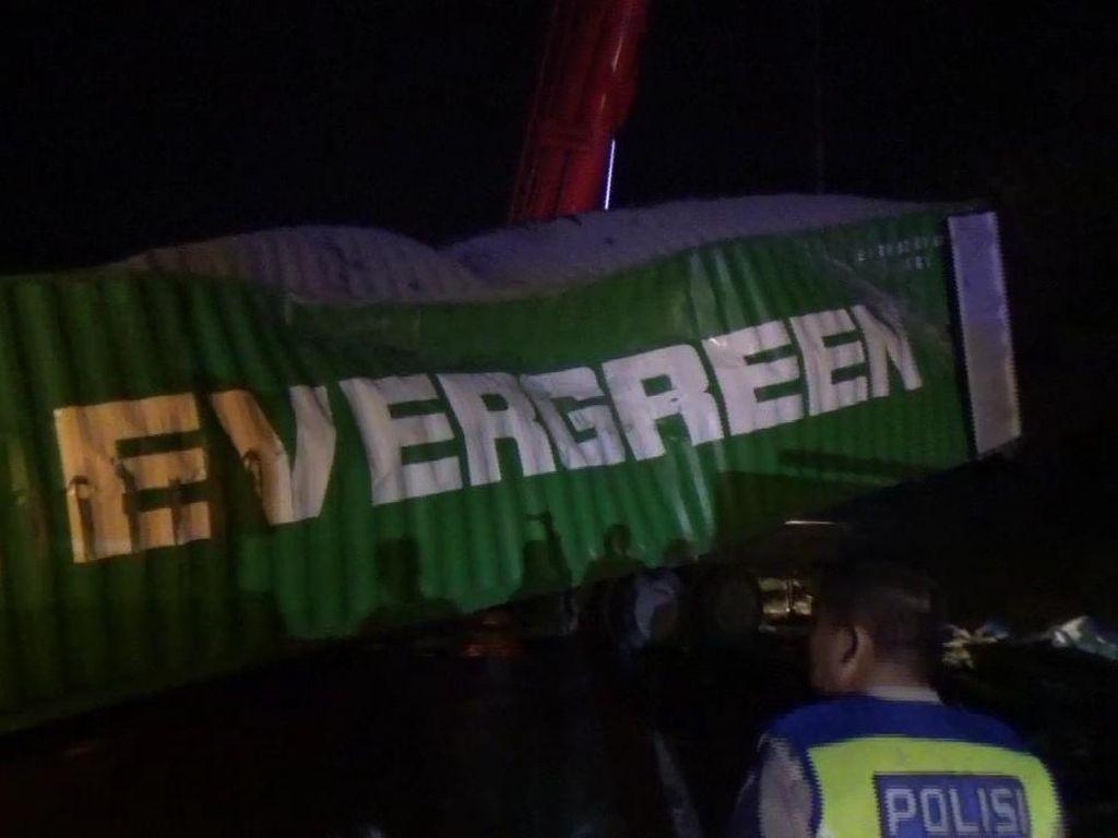 Polisi Minta Sopir Truk Maut Tewaskan Bos Indomaret Menyerahkan Diri!