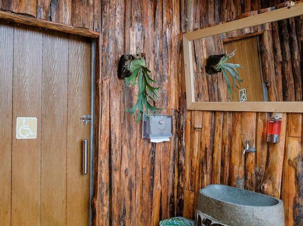 Toilet Lembah Indah Malang, Bersih dan Ramah Disabilitas