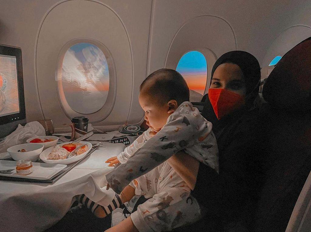 Bayi 7 Bulan Boleh Naik Pesawat, Ini Penjelasan Zaskia Sungkar