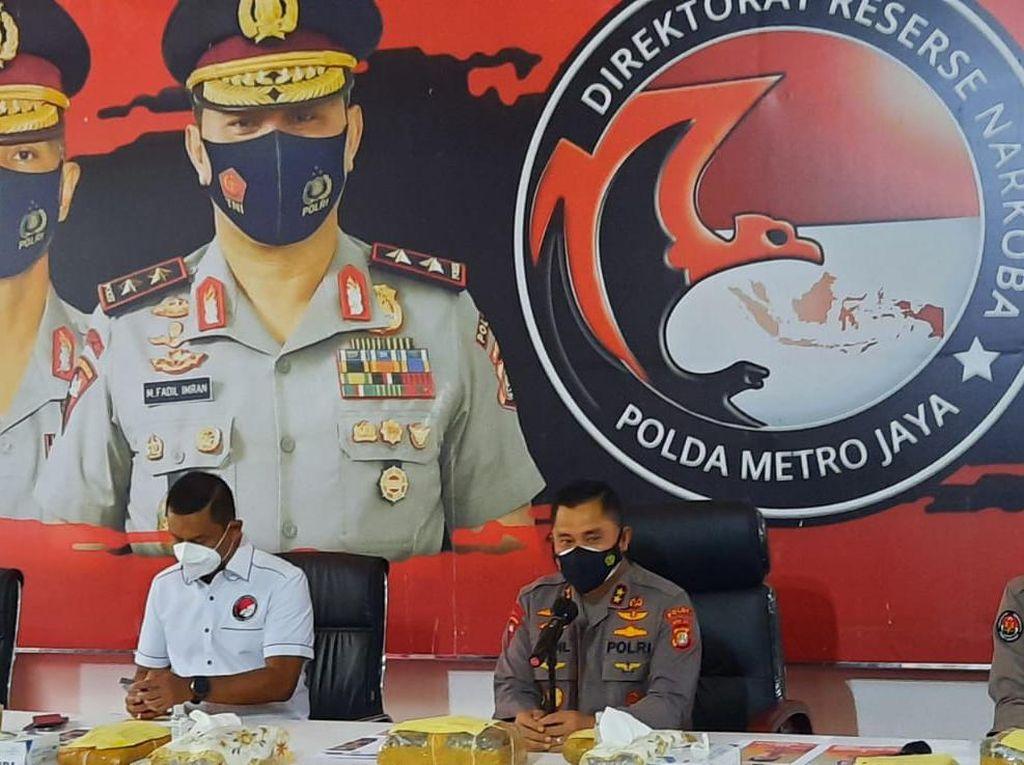 Polda Metro Sikat Jaringan Pengedar 1,37 Ton Ganja Asal Sumatera!