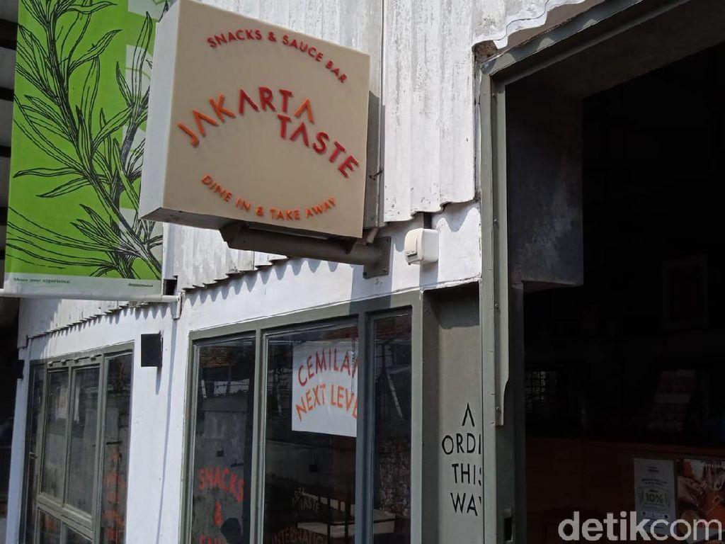 Jakarta Taste: Nasi Daun Jeruk dan Ayam Saus Kari Nikmat di M Bloc Space