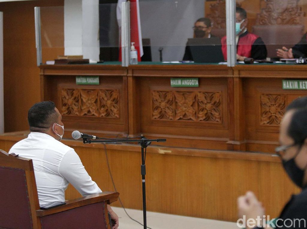 Pengacara 2 Polisi: Kasus Km 50 Tak Terjadi Kalau Habib Rizieq Kooperatif