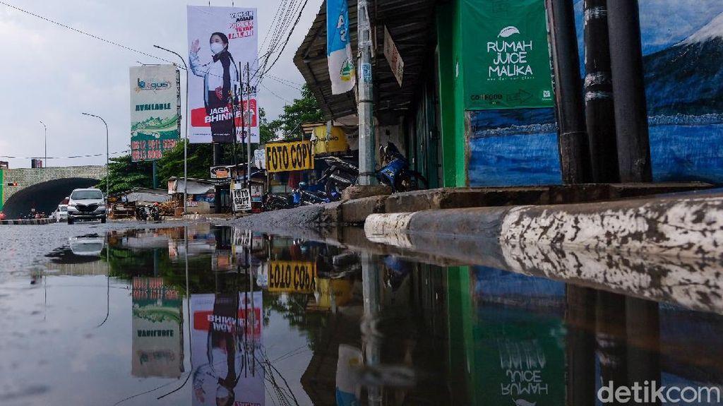 Baliho Puan Bersalin Rupa Mejeng di Tangsel