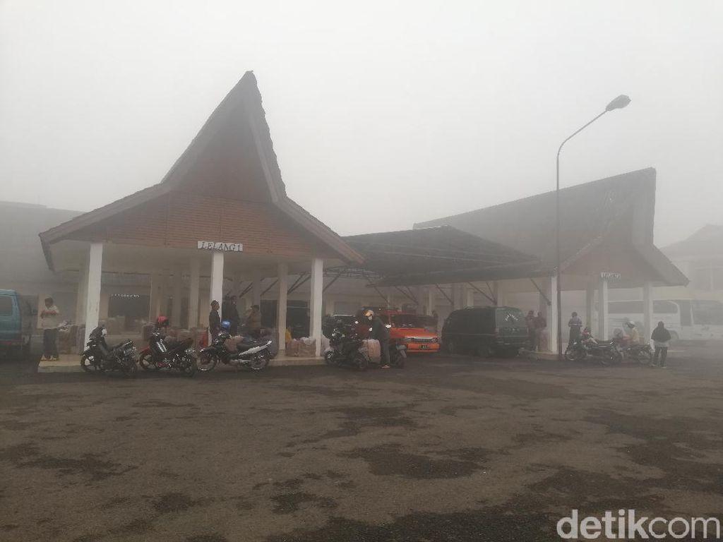 Mengenal-Melihat Aktivitas Pasar Tembakau Tanjungsari Sumedang