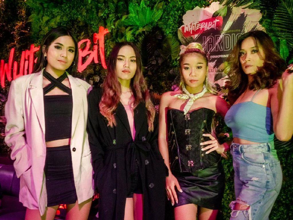Girlband Pinkprint Team Rilis Lagu Angkat Semangat Perempuan Pekerja Keras