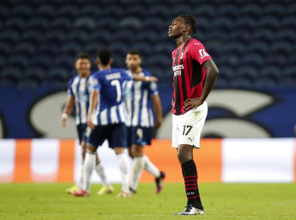 Dua Sisi Milan: Kinclong di Liga Italia, Bonyok di Liga Champions