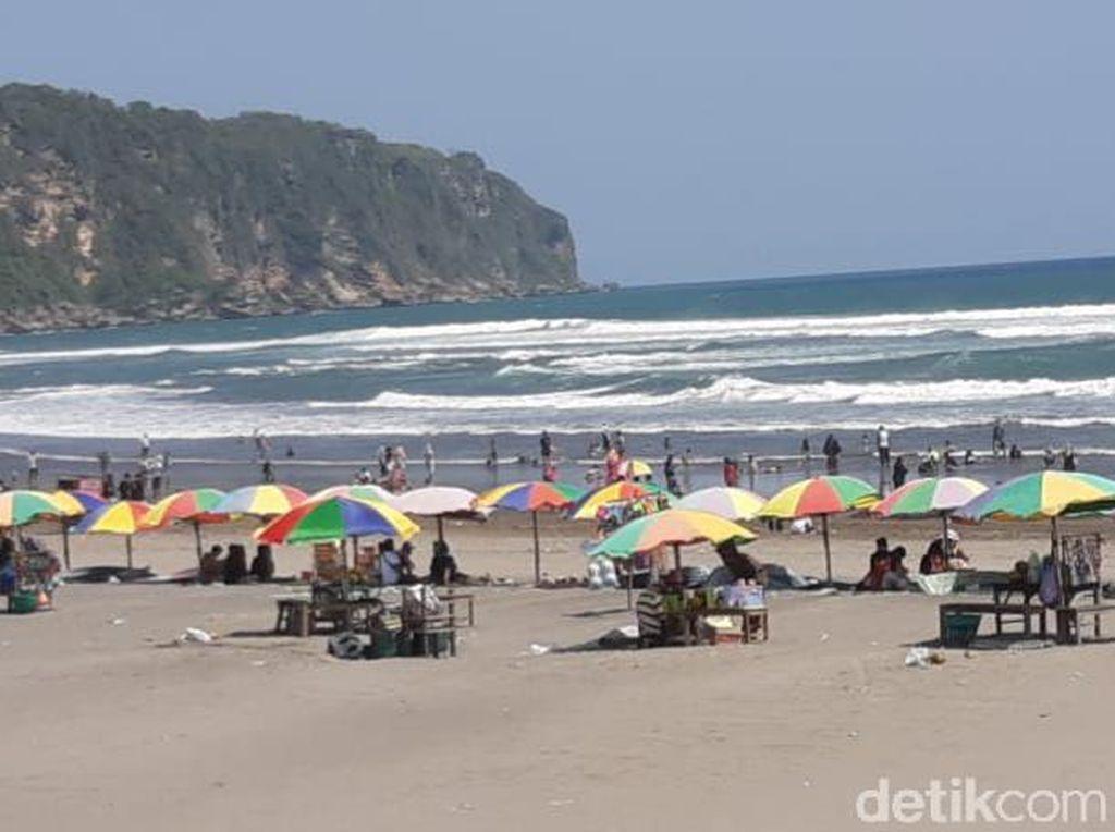 Pantai Parangtritis Buka, Pendapatan Retribusi Langsung Melejit
