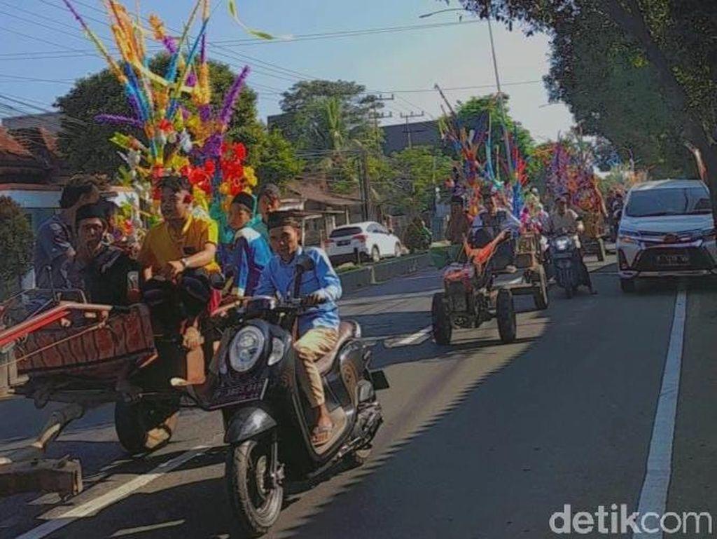 Parade Jodang Singkal, Cara Unik Warga Banyuwangi Rayakan Maulid Nabi