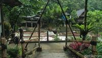 Dinginnya Bogor Hilang dengan Hangatnya Pemandian Air Panas Ciparay