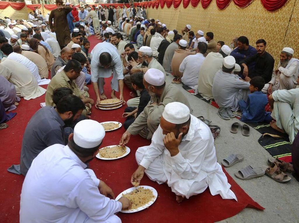 Hukum Makan Makanan Maulid Nabi