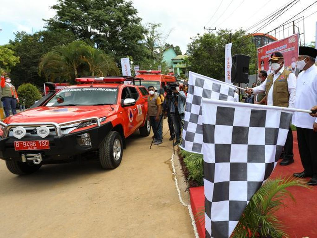BNPB Terjunkan 10 Mobil Masker di Kota Ambon, Sasar Tempat Kerumunan