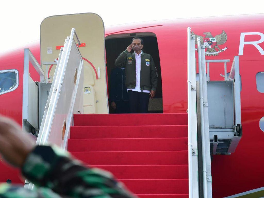 Bertolak ke Kalsel, Jokowi akan Resmikan Pabrik-Tinjau Vaksinasi