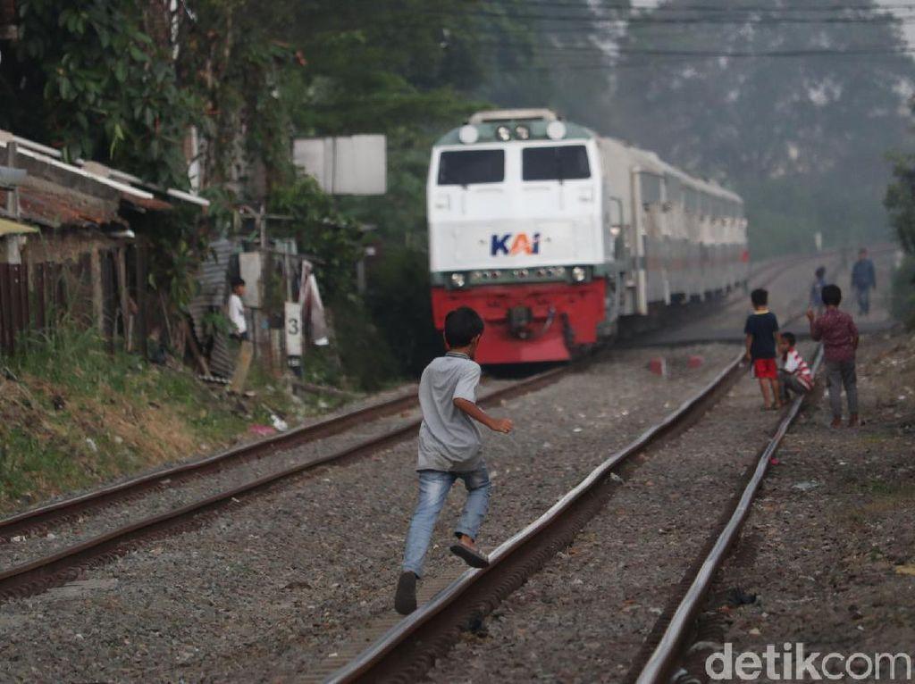 Mitos Jurig Torek di Bandung yang Hantui Korban Tertabrak Kereta Api