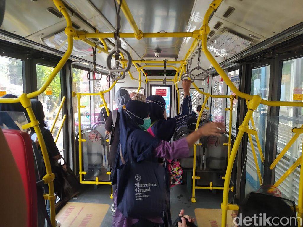 Angkutan Kota DKI Boleh Angkut 100%, Warga Diminta Tetap Taat Prokes
