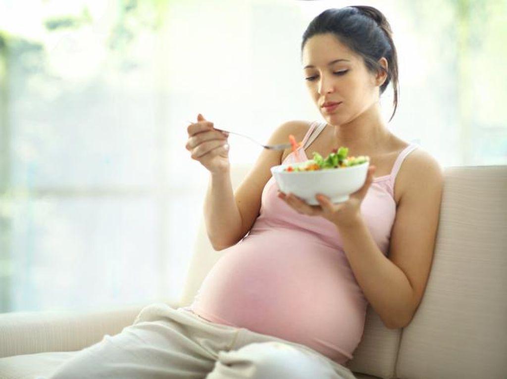 Tega! Pria Ini Beri Istrinya Makanan Hambar Saat Hamil Supaya BB Cepat Turun