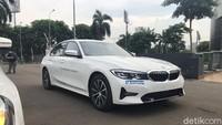 First Impression BMW 320i Dynamic: Desainnya Melegenda, Akselerasinya Juara