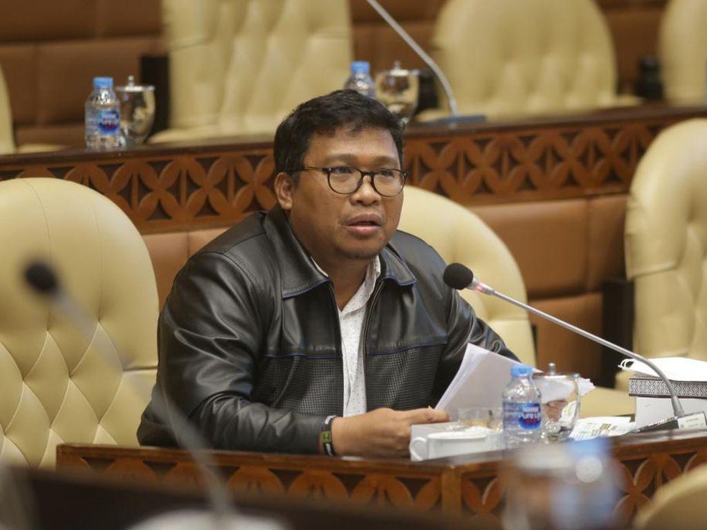 PD: Syarat Terbang Wajib PCR Tambah Derita Rakyat, Turunkan Harga!