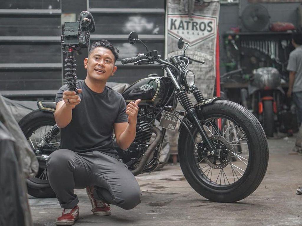 Katros Garage: Dari Bangun Motor di Garasi, Sampai Garap Motor Jokowi