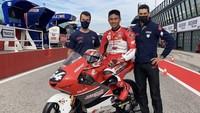Demi Mendiang Ayah, Mario Aji Pakai Nomor 64 di Moto3