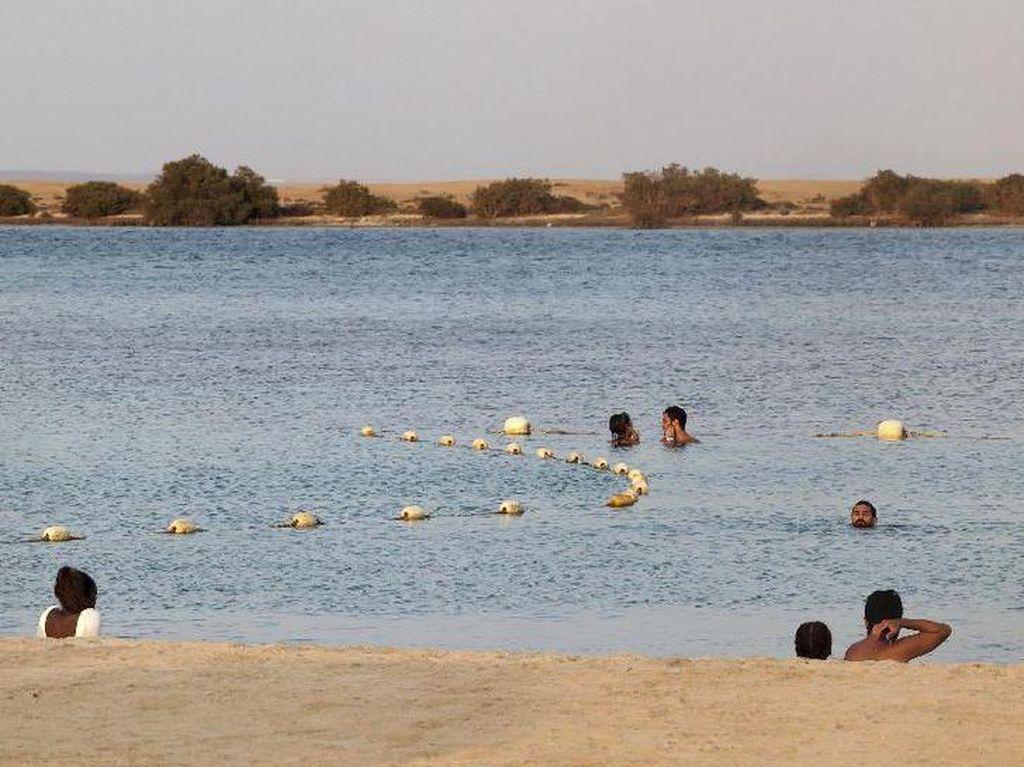 Pantai Bikini Arab Saudi yang Gegerkan Dunia Wisata