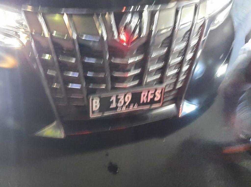 Polisi Duga Rachel Vennya Pakai Pelat RFS Agar Dibantu di Jalan