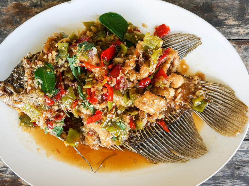 Resep Gurame Saus Pedas Manis ala Restoran yang Gurihnya Nampol