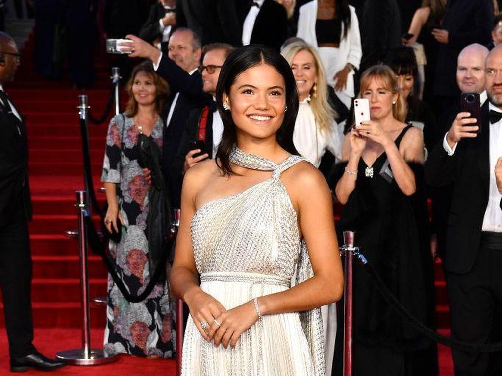 Menyusul Jisoo, Bintang Tenis Emma Raducanu Jadi Duta Terbaru Dior