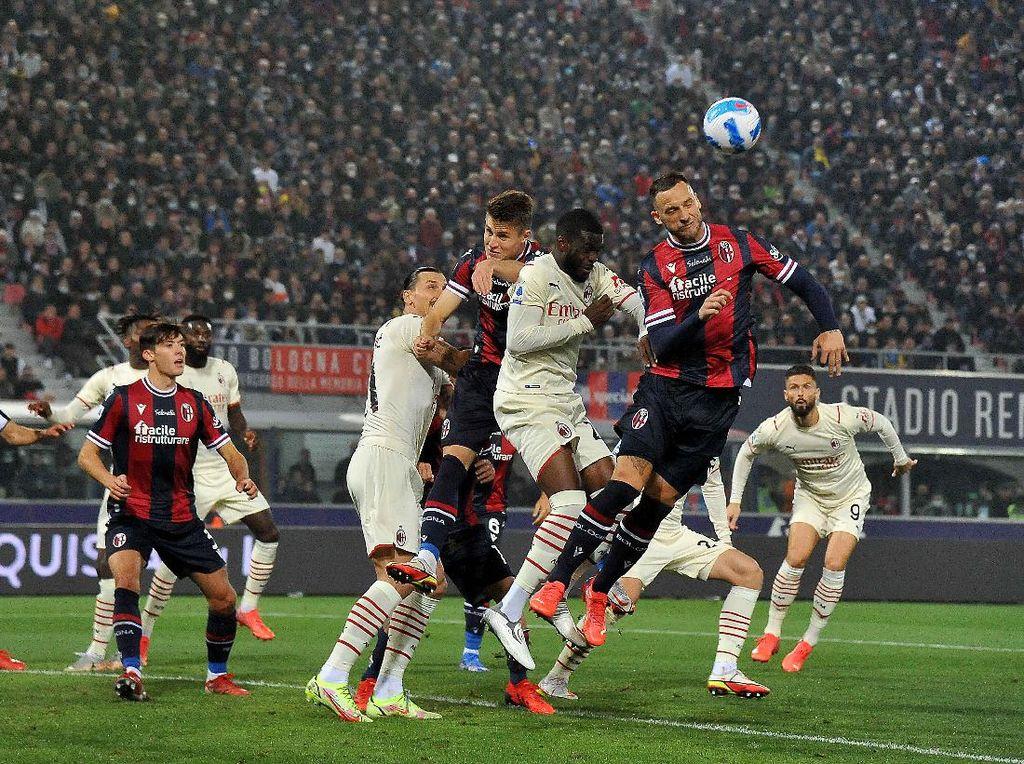 Bologna Vs Milan: Ibra Bunuh Diri, Rossoneri Menang 4-2 Lawan 9 Pemain