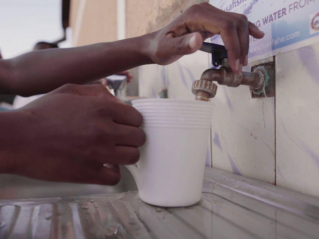 Cara Cerdas Saring Air Tercemar Jamin Kesehatan