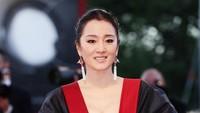 Aktris Gong Li Lepas Kewarganegaraan Singapura, Dikritik Hanya Demi Uang