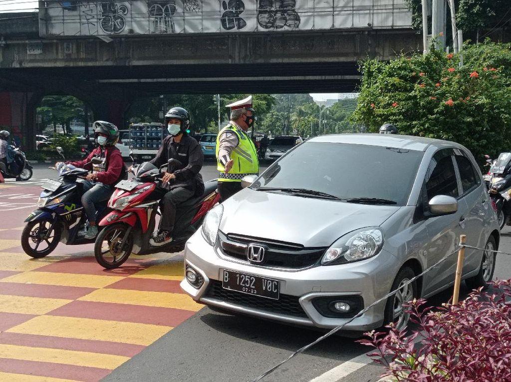 Hari Pertama Gage 13 Titik, Polisi Masih Sosialisasi di Jl Fatmawati