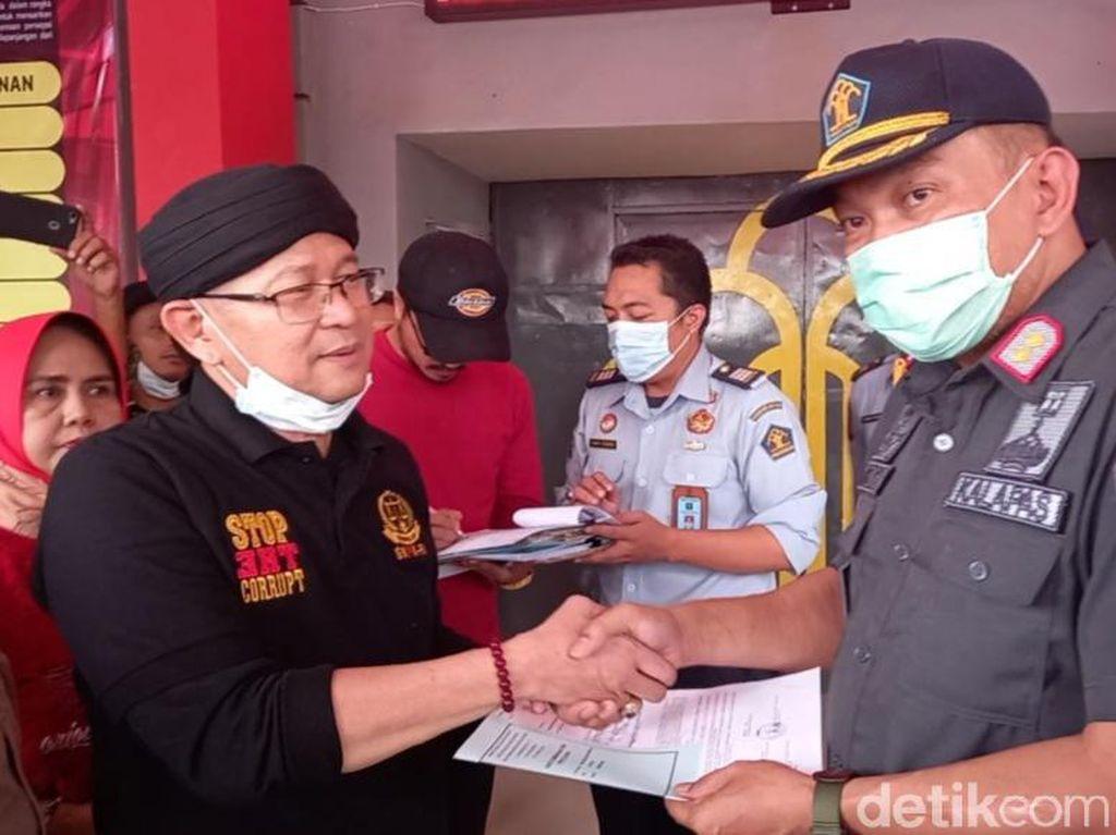 Ketua LSM Dibui Gegara Postingan soal Korupsi di Tegal Hirup Udara Bebas