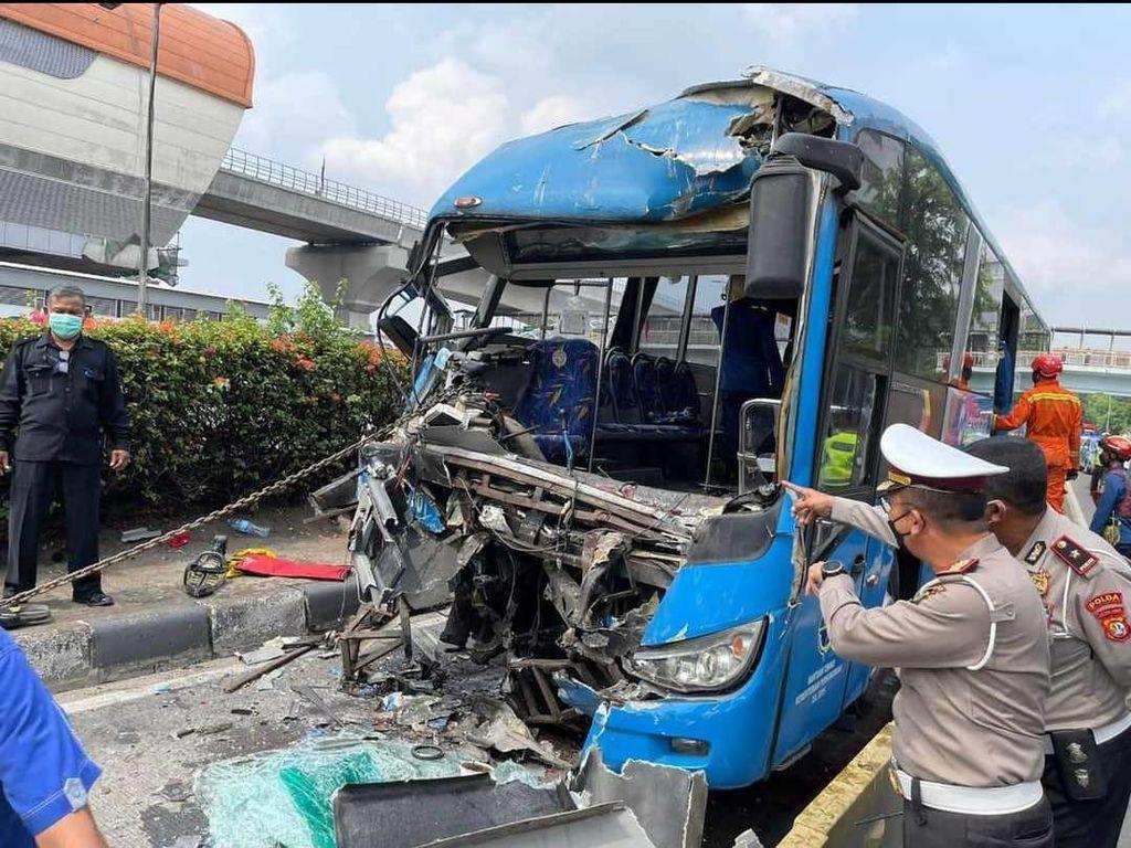 Patah Tulang, 2 Korban Kecelakaan Bus TransJ Jalani Operasi Hari Ini