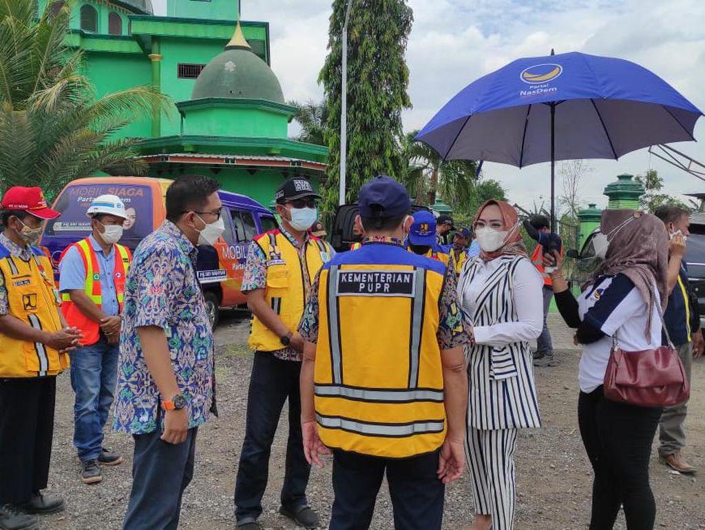 Anggota DPR RI NasDem Pantau Proyek Pelebaran Jalan di Ponorogo